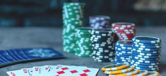 Deportistas y el poker
